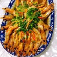 <b>怎么做蒜蓉蒸虾最好吃 蒜蓉蒸虾怎么做好吃</b>