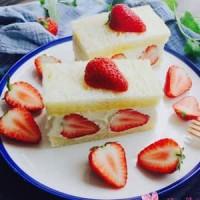 <b>怎么做草莓奶油三文治最好吃 草莓奶油三文治怎么做好吃</b>