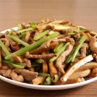 香干芹菜炒肉丝怎么做好吃 香干芹