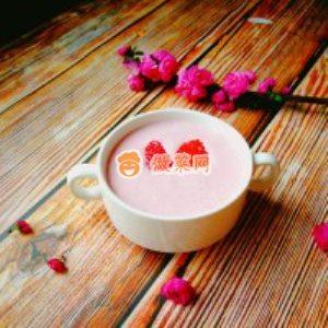 草莓奶昔怎么做好吃 草莓奶昔的家