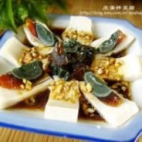 皮蛋拌豆腐