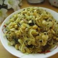 雪菜炖黄豆