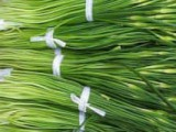 蒜苔为什么是苦的 蒜苔需要剥皮吗